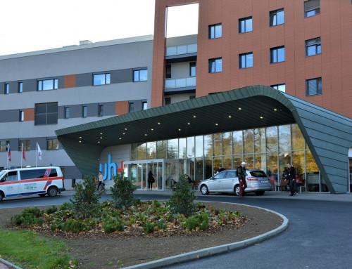 Vstup nemocnice v Uherském Hradišti